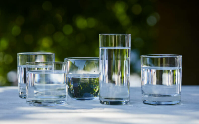 Her er nogle af de bedste og smukkeste vandglas, du kan slukke tørsten med